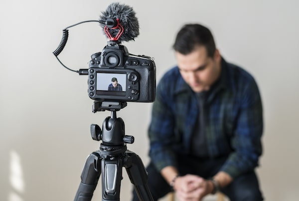 Most powerful interview case study testimonial interview questions- content creators lounge-min